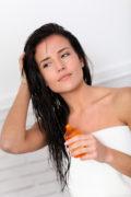 4 huiles pour soigner et nourrir ses cheveux