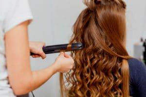 boucles avec lisseur cheveux